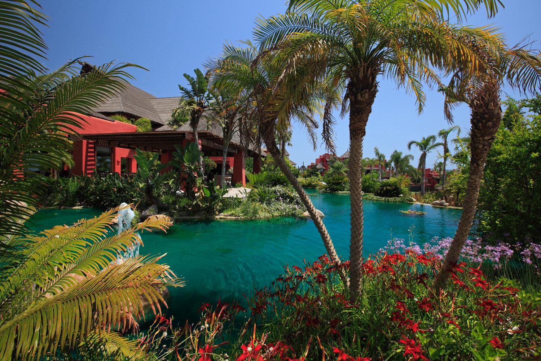 BIENVENIDOS A NUESTRO RINCÓN DE ASIA EN EL MEDITERRÁNEO:  EL HOTEL ASIA GARDENS