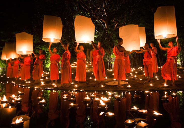 LOY KRATHONG: EL FESTIVAL DE LUCES DE TAILANDIA